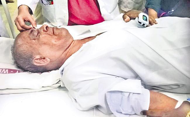 Former Mayor Suicide Attempt in Kurnool - Sakshi