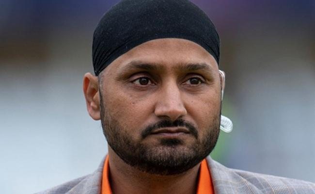 Harbhajan Singh Picks His All Time Best Test XI - Sakshi