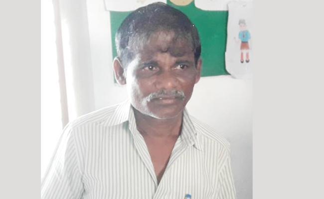 Head Master Nagabhushanam Remand in Assault Case Prakasam - Sakshi