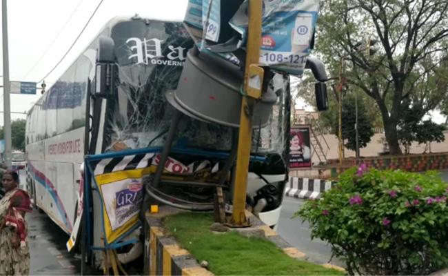 Travel Bus Accident In Vijayawada - Sakshi
