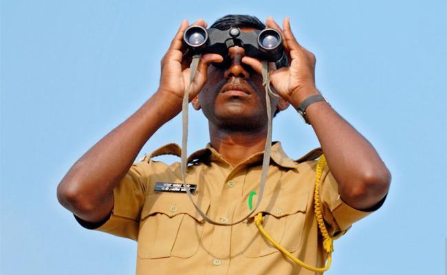 Police Focus on Villages Safety in Kurnool - Sakshi