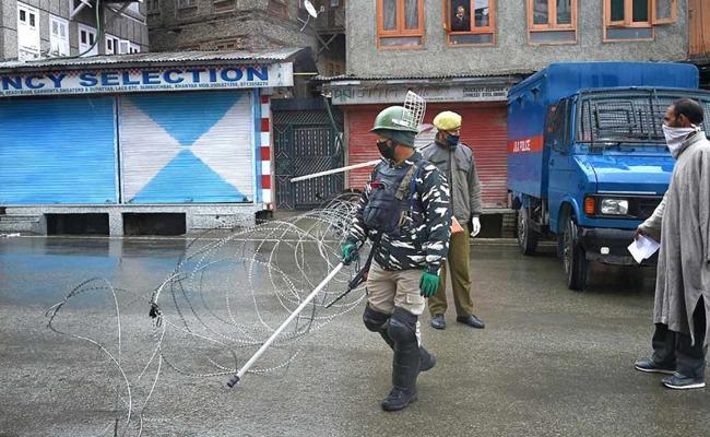Govt Comes Up With Domicile Law For Jammu And Kashmir - Sakshi