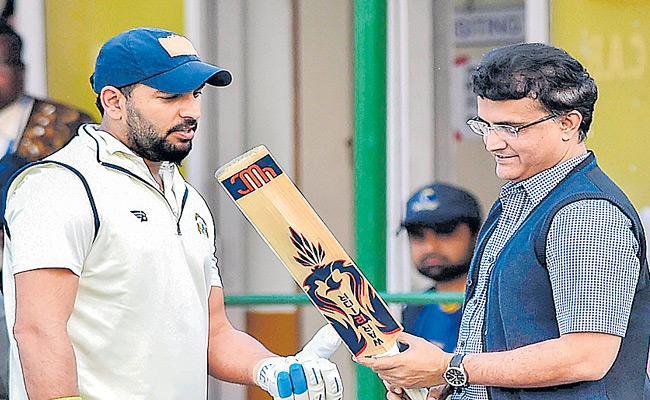 Sourav Ganguly Is The Best In My Cricket Career Says Yuvraj Singh - Sakshi