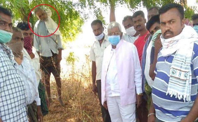 Farmer Suicide MLA Photos Viral in Social Media karnataka - Sakshi