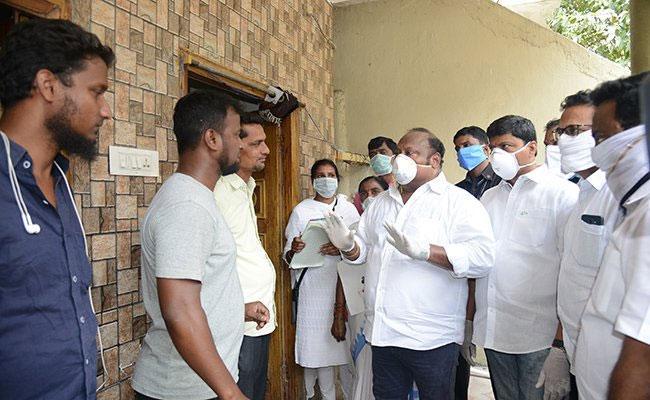 CM KCR Appreciates Minister Gangula Kamalakar - Sakshi