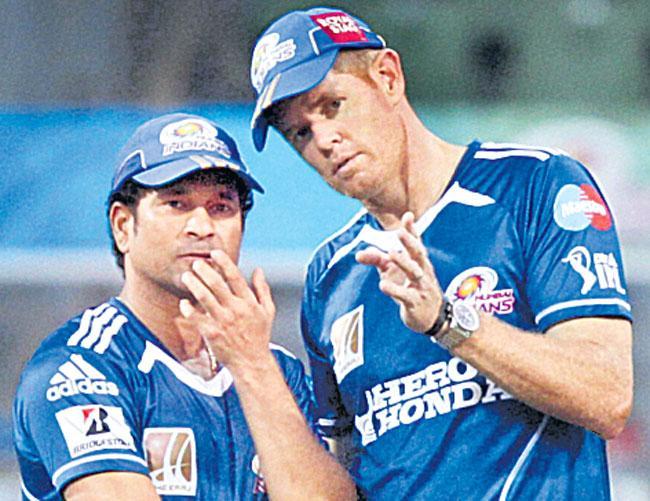 Sachin Tendulkar couldnot negate short deliveries in Australia - Sakshi