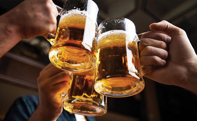 Coronavirus Lockdown: Liquor Shops Closes Government Face Big Loss - Sakshi