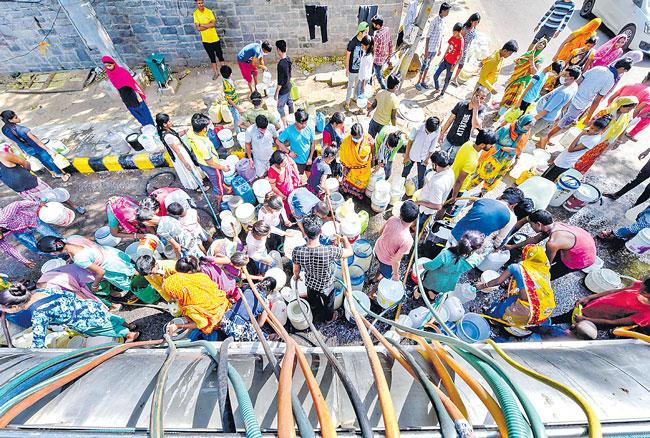 COVID-19 Lfel toll rises to 452 in country - Sakshi