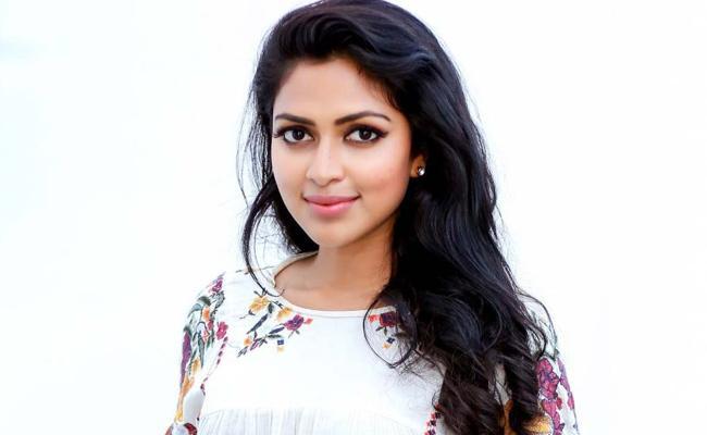 Amala Paul Opens About ponniyin selvan Movie - Sakshi