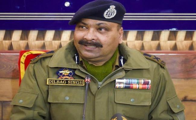 DGP Dilbag Singh Says Pakistan Pushing Coronavirus Patients into Kashmir - Sakshi