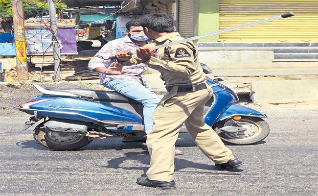 HYderabad Complete One Month Lockdown After Janta Curfew - Sakshi