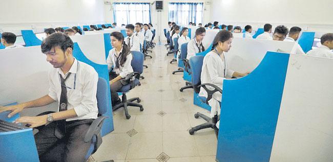 IT sector revenue growth may hit decadal low due to coronavirus lockdown - Sakshi