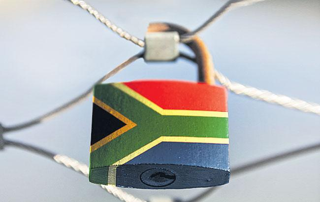South Africa announces 5-phase plan for easing Covid-19 lockdown - Sakshi
