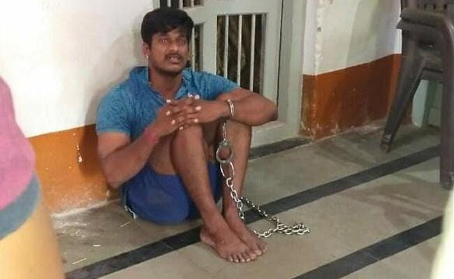 CRPF Commando Allegedly Chained At Karnataka Police Station For Not Wearing Mask - Sakshi