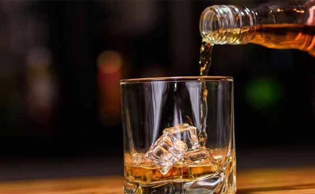 Drunked Fellow Falling in Well And Loss in Kurnool - Sakshi