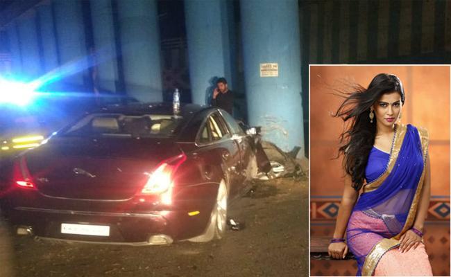 Actress Sharmila Mandre injured in car accident - Sakshi