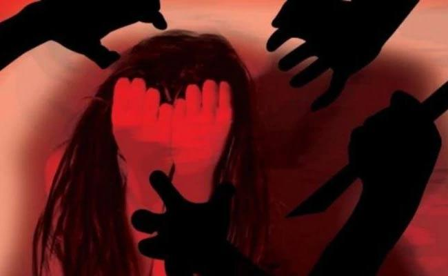 19 Year Old Man Molested On 8 Year Girl In Uttar Pradesh - Sakshi