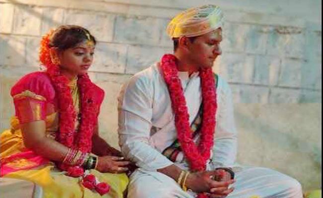 Lockdown Mysore Wedding Complete in Four Minutes - Sakshi