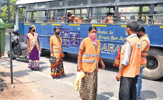 TSRTC Loss With Coronavirus Effect Perday 3.5 Crore - Sakshi