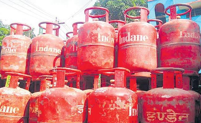 LPG Demand Is Normal In Telangana Due To Lockdown - Sakshi