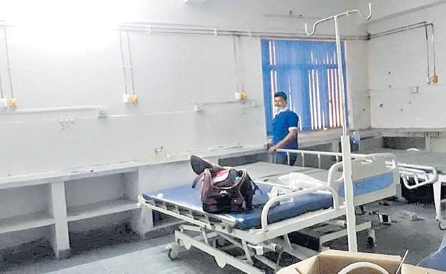 Corona Medical Services In 13 Hospitals In Hyderabad - Sakshi