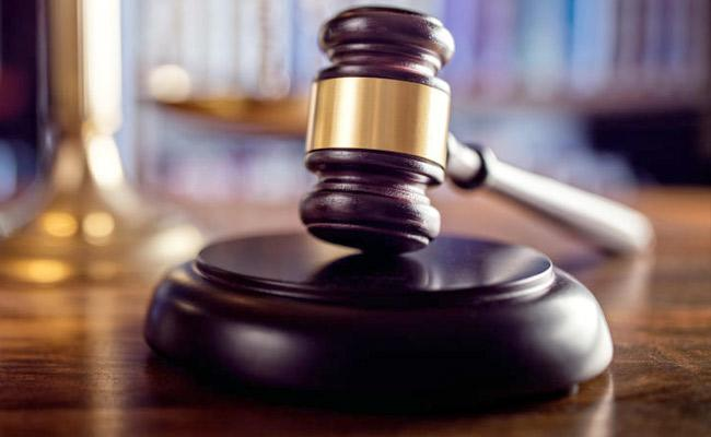 Lawyer Courses High Court Judge Be Infected With Coronavirus In Kolkata - Sakshi
