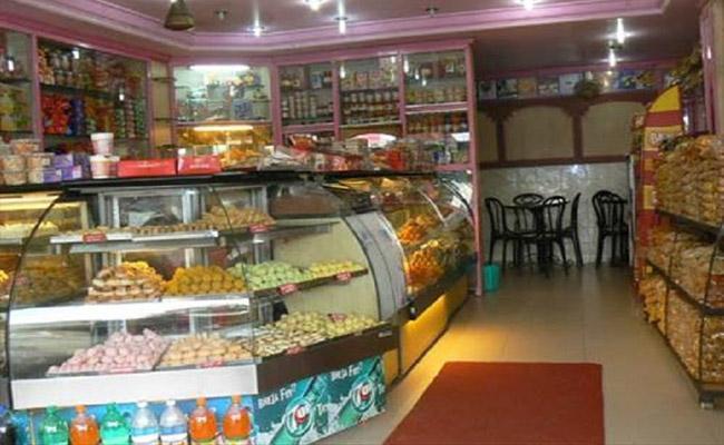 CoronaLockdown: Bakeries Exempted in Karnataka - Sakshi