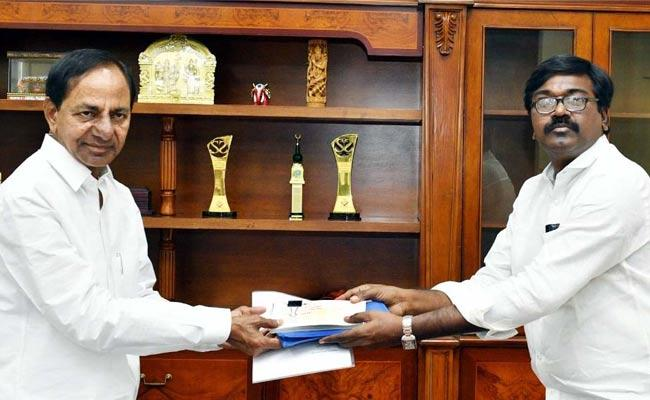 Corona: Puvvada Ajay Kumar Given Cheque Of 2 Crores For CM Relief Fund - Sakshi