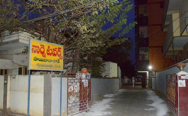 Coronavirus: Officials Focus On Contact Cases In Guntur District - Sakshi