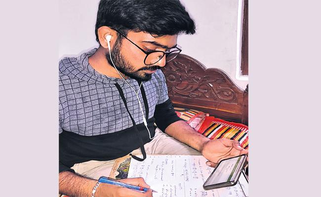 Online Classes in Hyderabad Lockdown Time - Sakshi