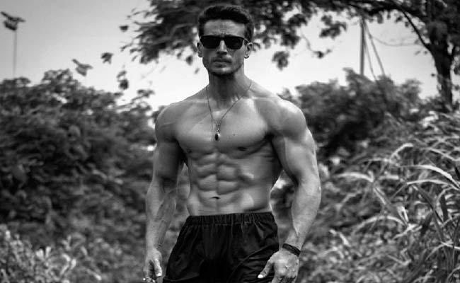 Tiger Shroff Shares His Chiseled  Frame Body Throwback Image In Twitter - Sakshi