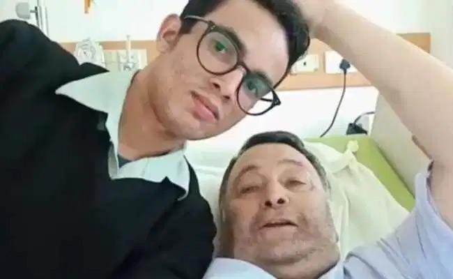 Rishi Kapoor Last Video From Hospital Went Viral - Sakshi