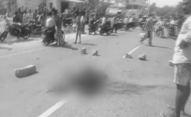 Gas Cylinder Explodes At Kuppam Mandal In Chittoor District - Sakshi