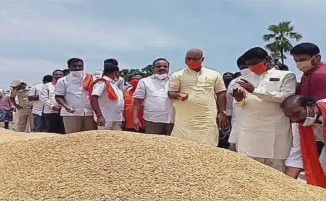 BJP MP Aravind Comments On CM KCR - Sakshi