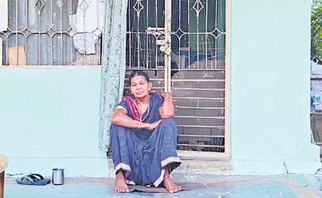 Mother Thrown Out By The Son At Bhadradri District - Sakshi