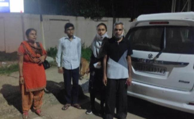 Gondoropur Villagers Strange Behaviour With Doctors Family In Orissa - Sakshi