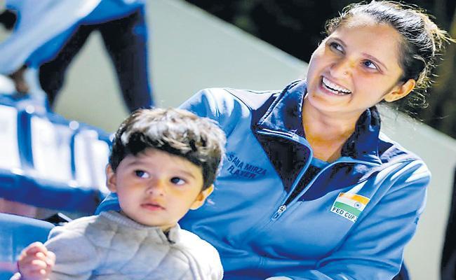 Sania Mirza Won Fed Cup Heart Award - Sakshi