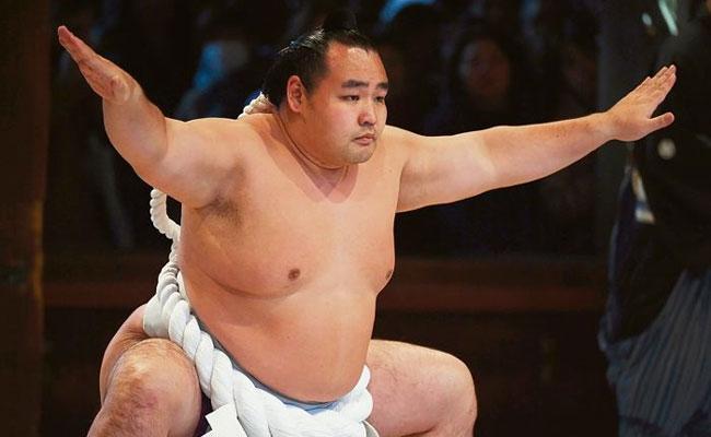 Sumo Wrestler Infected With Coronavirus Dies In Japan - Sakshi