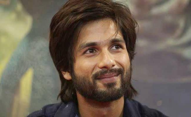 Shahid Kapoor Says Washing Dishes Is My Duty In Home - Sakshi