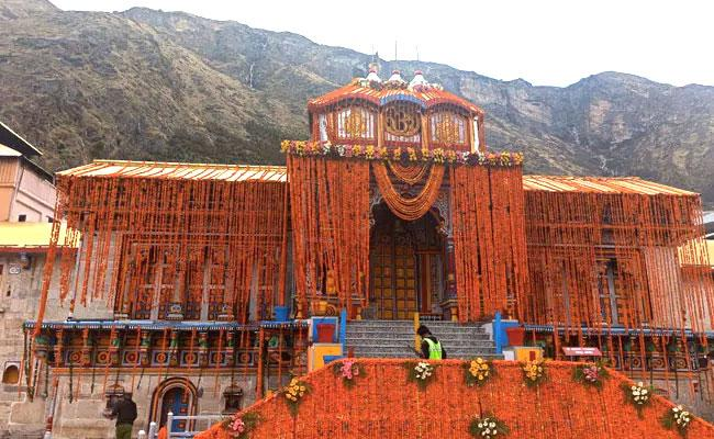 Corona: Badrinath Temple Open On May 15th But No Devotees Allowed - Sakshi