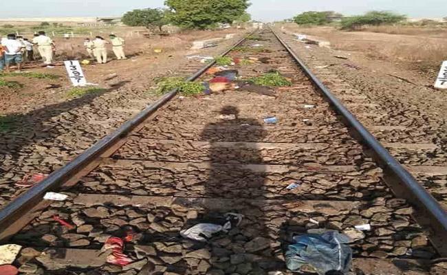 Madabhushi Sridhar Critics Central Government Lockdown Decision - Sakshi
