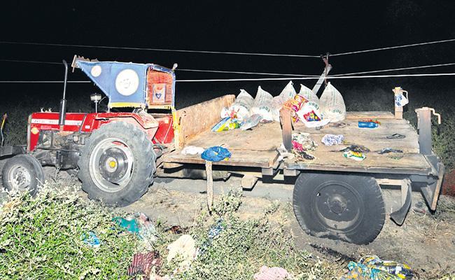 Nine Members Died In Road Accident At Prakasam District - Sakshi