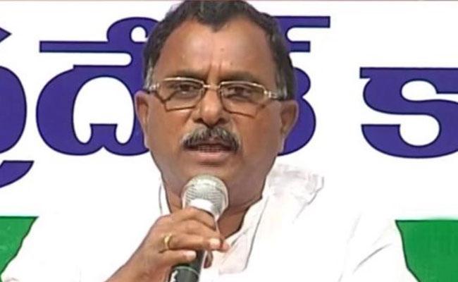 Mallu Ravi Comments About Jalayagnam Projects - Sakshi