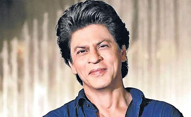 Shah Rukh Khan Becomes A Teacher And His Lockdown - Sakshi