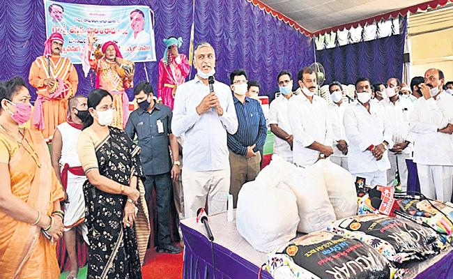 Central Government Not responding Well To Help Poor People Says Harish Rao - Sakshi