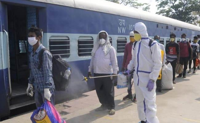 Home Ministry New Guidelines On Migrant Labour - Sakshi