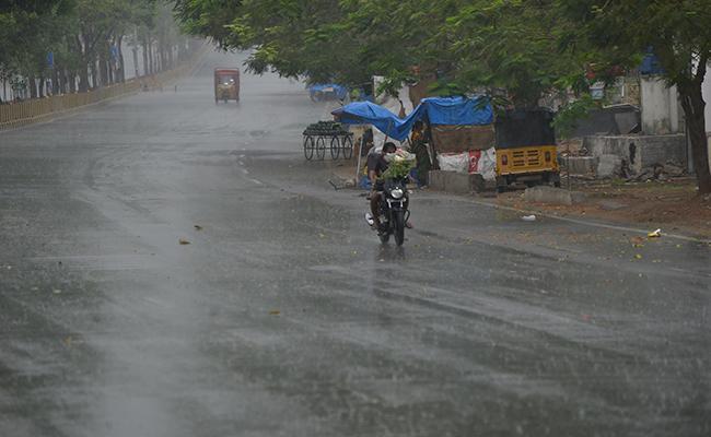 Rain Forecast Three Days In Telangana Says Metrology Department - Sakshi