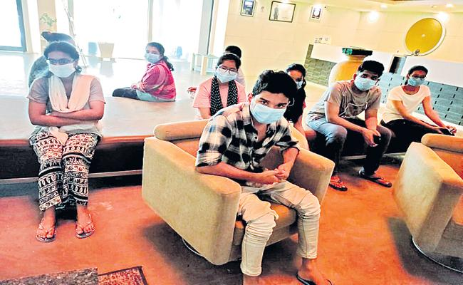 AP medical students stranded in Bangladesh due to lockdown returned to state - Sakshi