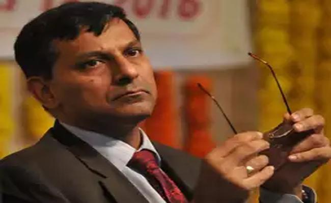 Raghuram Rajan Suggestions To Improve Economy - Sakshi