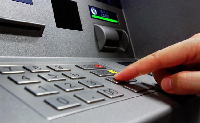 Cyber Criminals Cloning Debit And Credit Cards Hyderabad - Sakshi